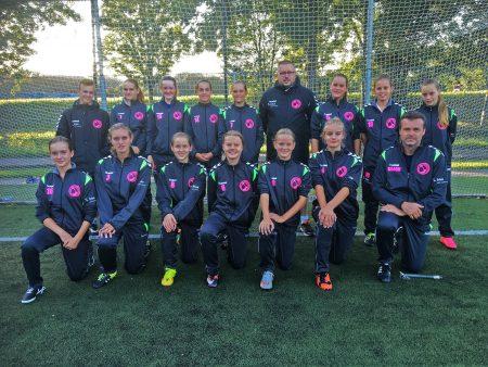 dwo-mo15-teamfoto-nieuwe-trainingspakken-gob-zoetermeer